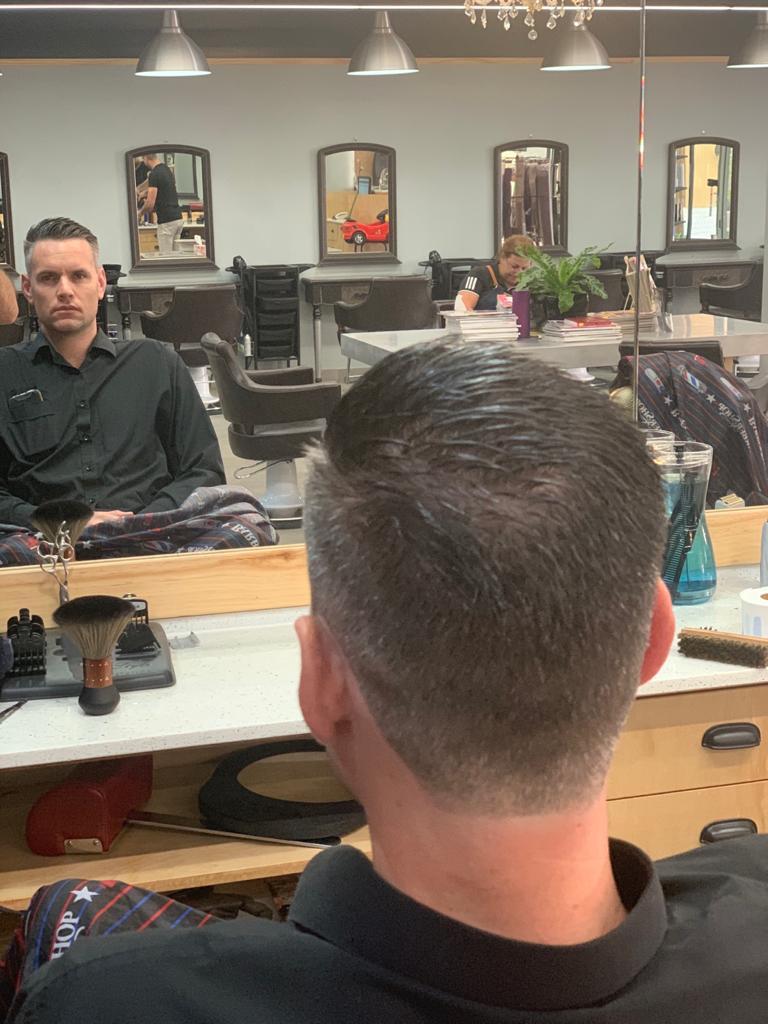 LA BELLE HAIR & BEAUTY mens cut